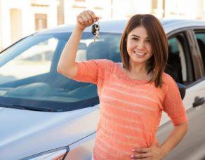 Vous venez d'avoir votre permis, quelle voiture choisir, une neuve ou une occasion ?